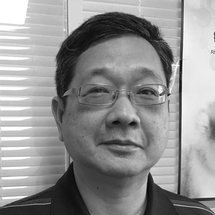 Wei-Tek Tsai