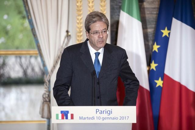 Премьер Италии избежал