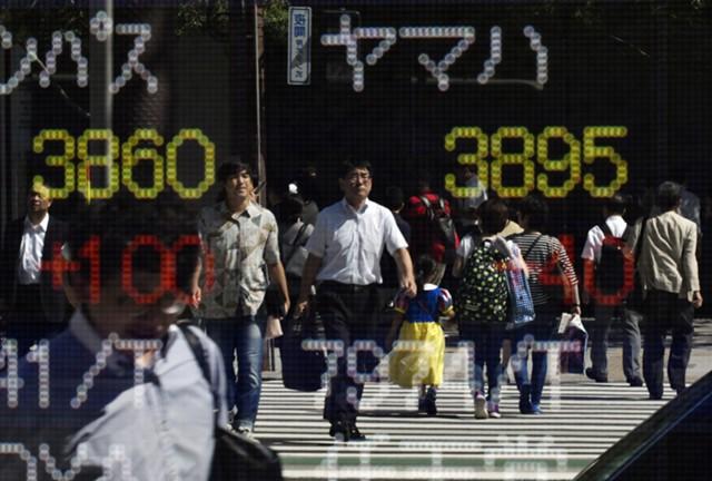 Азиатские акции остаются