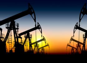 Обзор: нефть продолжает