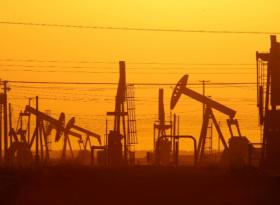Обзор: нефть топчется