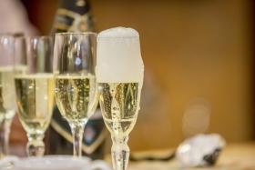 СМИ: шампанское в России
