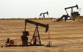 Цены на нефть завершают
